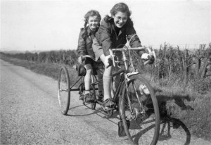 1953: Una and Kathleen Riley on TT on way to York Rally. Kindly provided by Martin Purser of the Tricycle Association.
